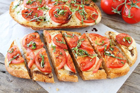 Caprese-Garlic-Bread-11