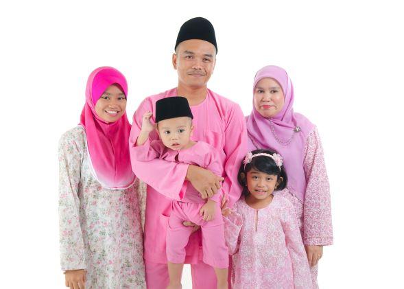 17643540 - malay with traditional dress during hari raya